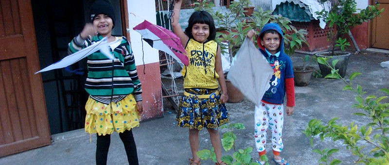 Children-revel-with-kites
